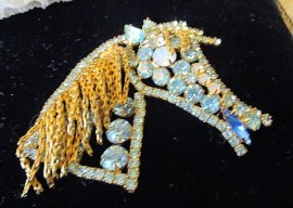 LARGE  VINTAGE Light Blue RHINESTONE CHAIN MANE HORSE HEAD PIN