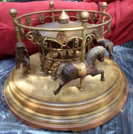 4 Horse Carousel Round Rotating Carousel Table 4 Brown Horses